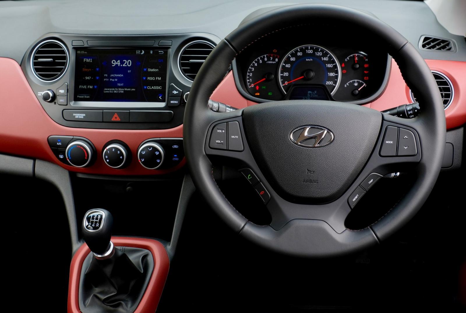 Hyundaigrand_i10_instrument