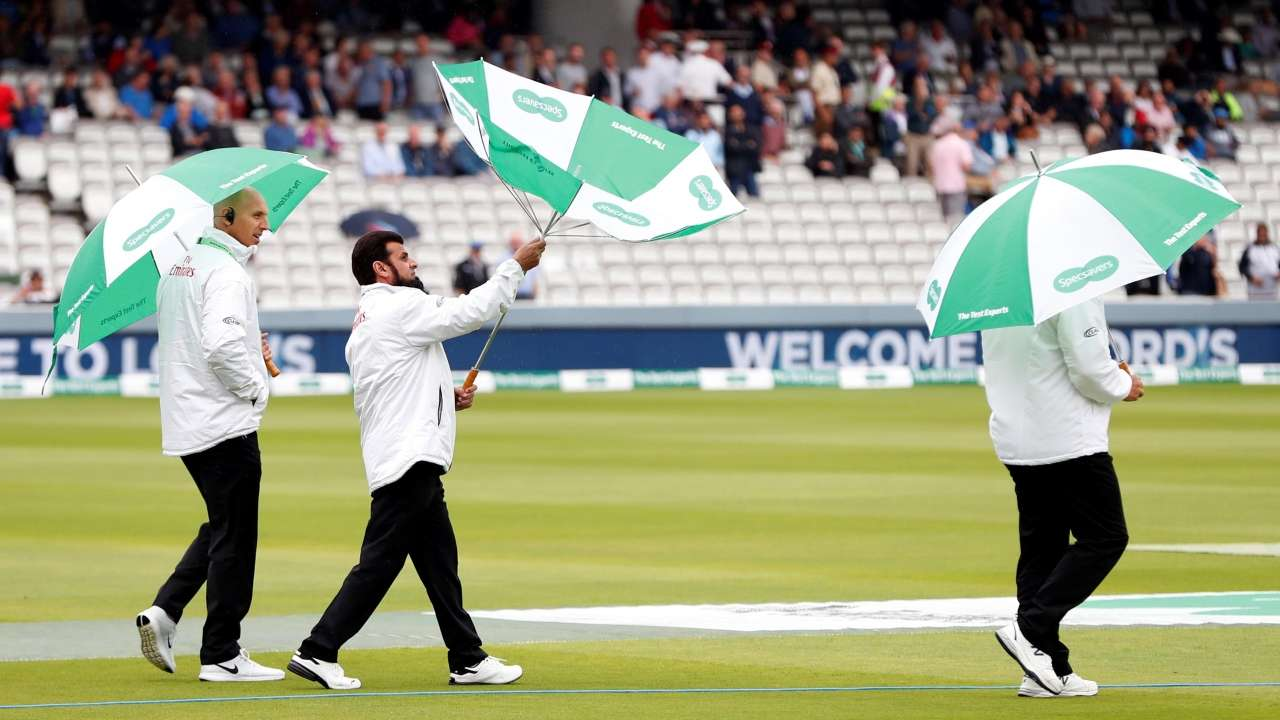715974-lords-play-called-off-reuters
